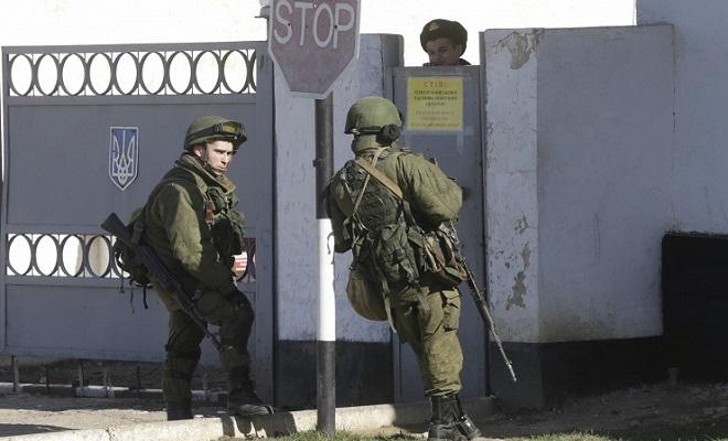 Хроніки окупації Криму: українські військові вже готові стріляти в окупантів - фото 3