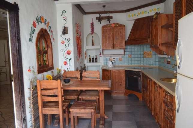 У київській квартирі пшонка-стайл поєднали з українською етнікою - фото 1