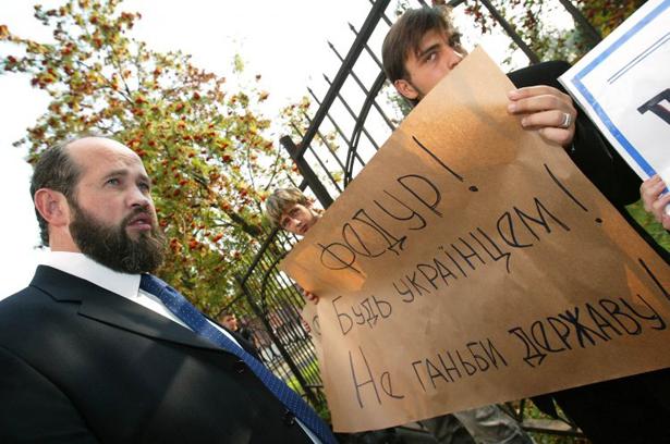 "Чому адвокат Януковича захищає ""вбивць Бузини"" - фото 1"