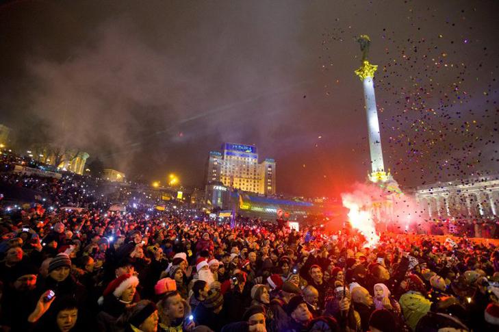 Хроніка Революції Гідності: Новий рік на Майдані і день народження Степана Бандери - фото 2