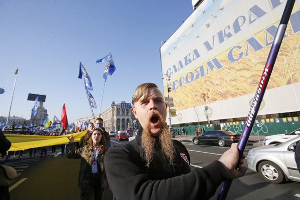 Чи перетворять жінки День Захисника України на свято шкарпеток і піни для гоління - фото 3