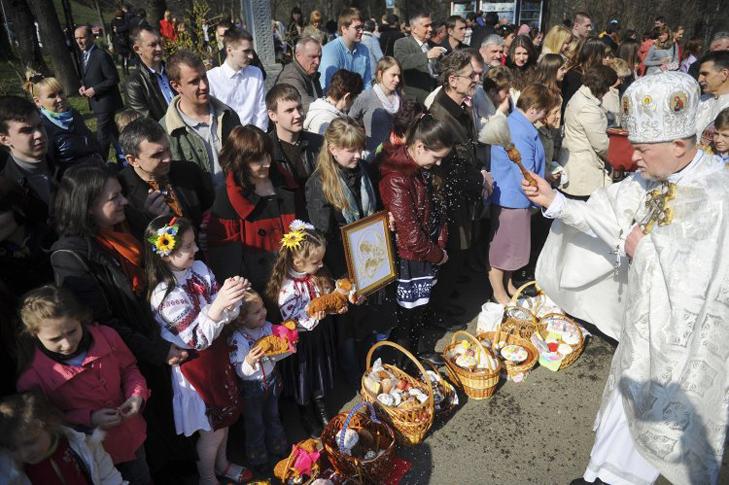 Як святкують Великдень в Україні - фото 9