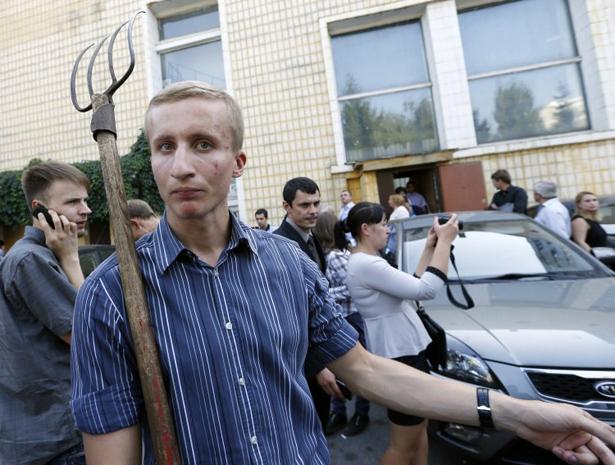 Ляшко провів екстрений з'їзд Радикальної партії з вилами і попами - фото 2