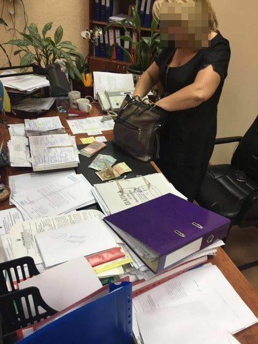 Харківські чиновники ставили на лічильник РАГСи (ФОТО) - фото 1