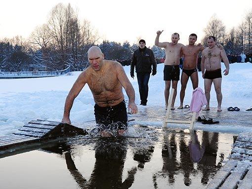 Як політики мочили голе тіло в ополонці - фото 18