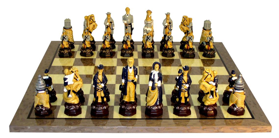 Секс богів і Порошенко-офіцер: ТОП-22 незвичних шахів - фото 8
