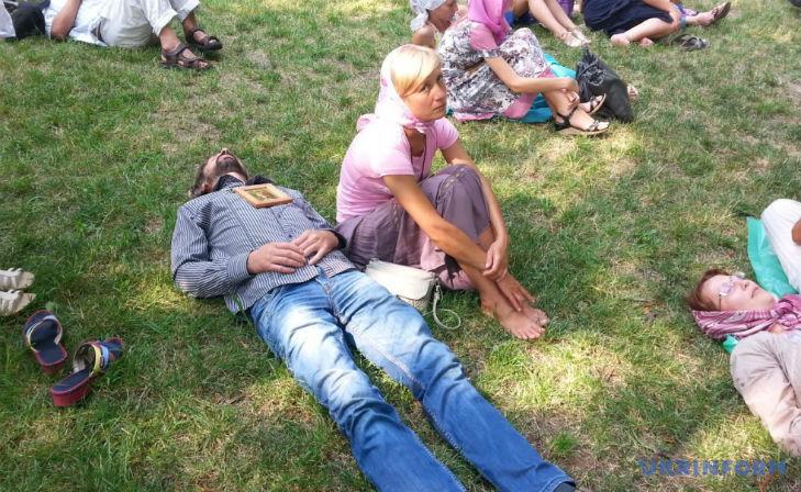 Як ходаки-гундяєвці стали сідоками, лежаками і стояками (ФОТО) - фото 1