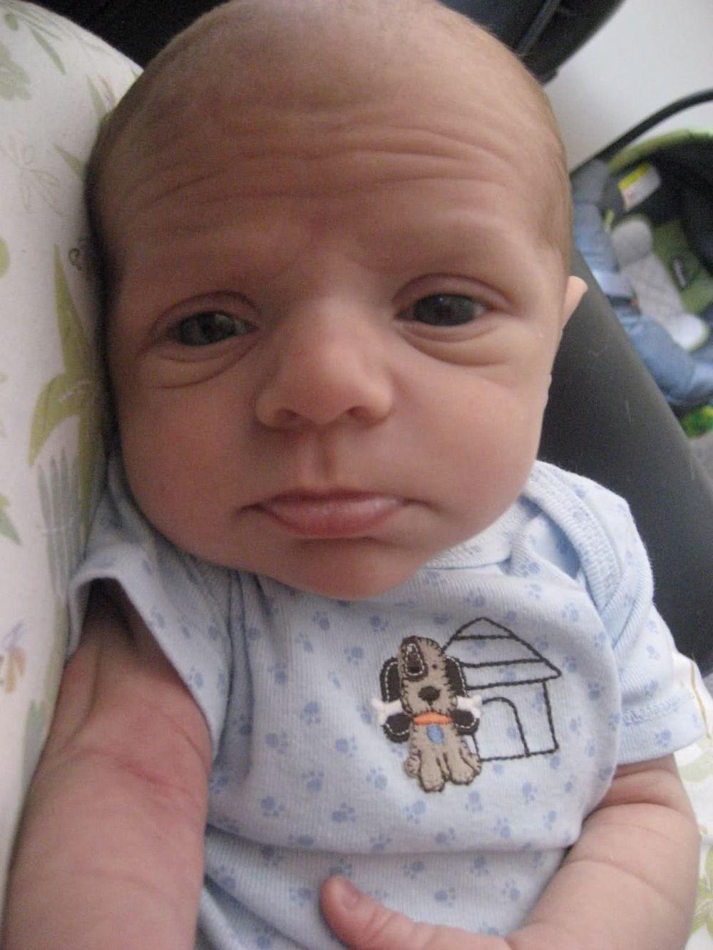 ТОП-10 кумедних малюків, які виглядають старше за свій вік  - фото 5