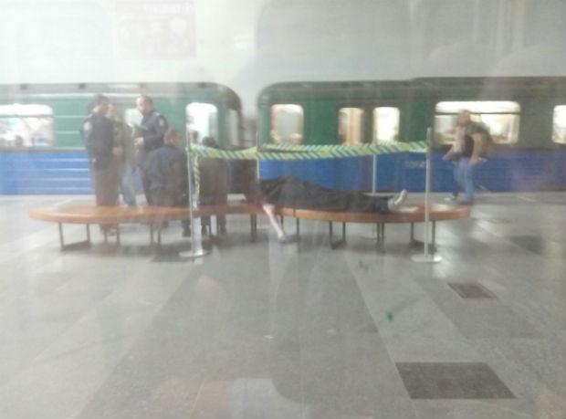 У Харківському метро померла людина - фото 1