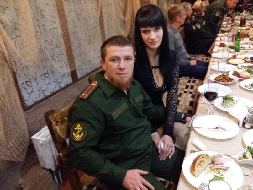 Блиск та злидні Донбасу: як жебракують люди та жирують бойовики в зоні АТО - фото 15