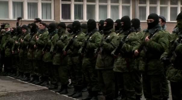 Хроніки окупації Криму: харчова паніка та ганебна присяга в масках - фото 7