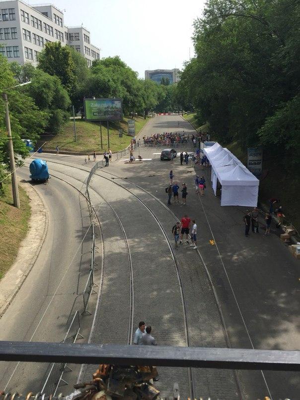 У Харкові встановили водяну гірку завдовжки 300 метрів - фото 4