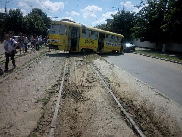 У Харкові черговий трамвай не втримався на рейках - фото 1