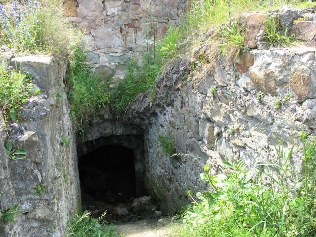 Скарби, привиди-мучителі і підземні ходи: Про що можна дізнатися у мурах Пнівського замку - фото 8