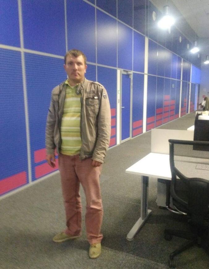 """Провінційний """"єдинорос"""", що їде до Путіна на """"запорожці"""", дістався Москви (ФОТО) - фото 2"""