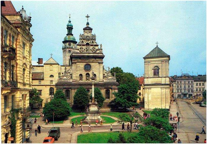 Колись у Львові трава була зеленішою - фото 4