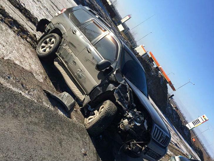 В ДТП на Полтавщині автівку розірвало навпіл: водій відбувся лише струсом мозку - фото 2
