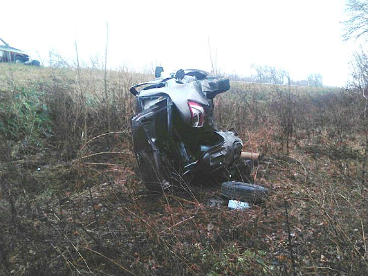 На Полтавщині харків'янин вщент розбив свою автівку - фото 1