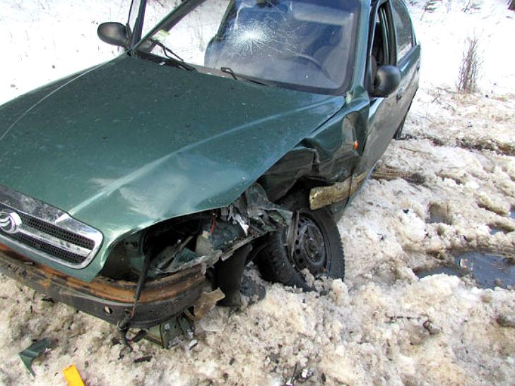 """На Полтавщині  на автодорозі """"Лубни - Опішня"""" зіткнулися дві автівки - фото 2"""