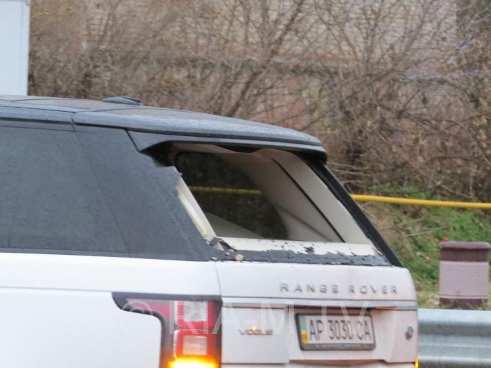 У Мелітополі вантажівка протаранила дорогу іномарку - фото 4