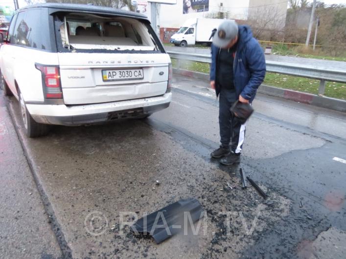 У Мелітополі вантажівка протаранила дорогу іномарку - фото 7