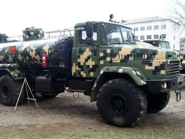 """""""АвтоКраз"""" представив на військових зборах свої нові розробки - фото 1"""