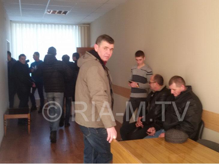 """У Мелітополі на сесію прийшла """"група підтримки"""" Опоблока  - фото 1"""