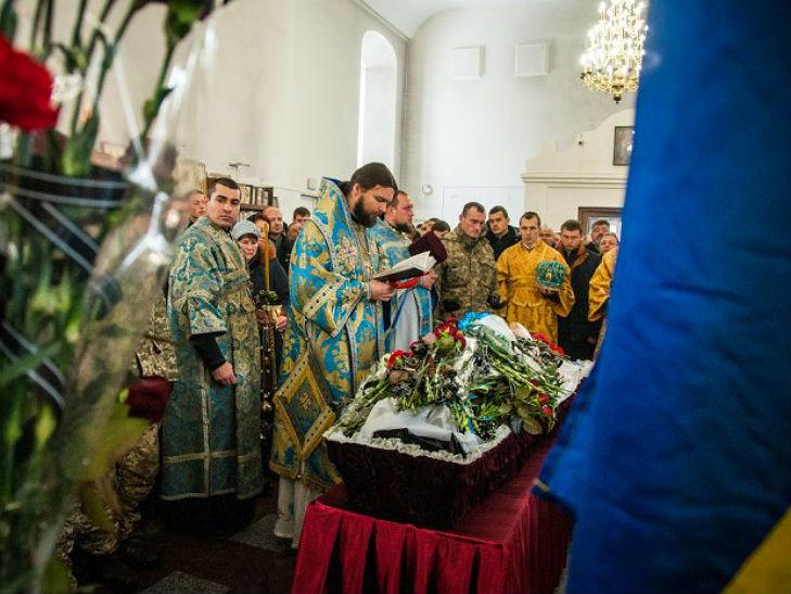 У Полтаві попрощалися із бійцем Олександром Лукашем - фото 2