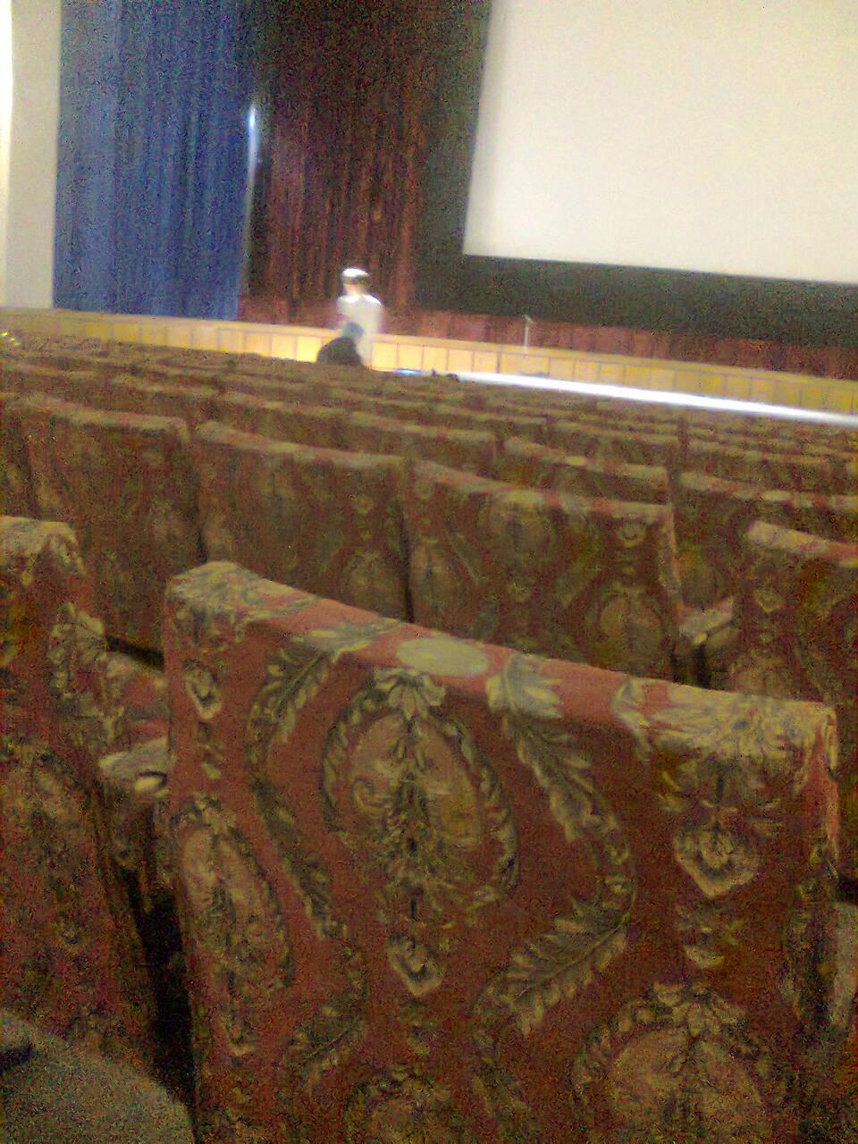 """Така """"Молодість"""": Угорський фільм стартував із запізненням на годину у майже порожньому залі - фото 1"""