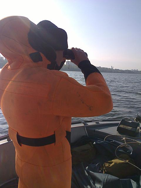 Пошуки миколаївського фотографа, що впав з яхти, досі не мають результатів