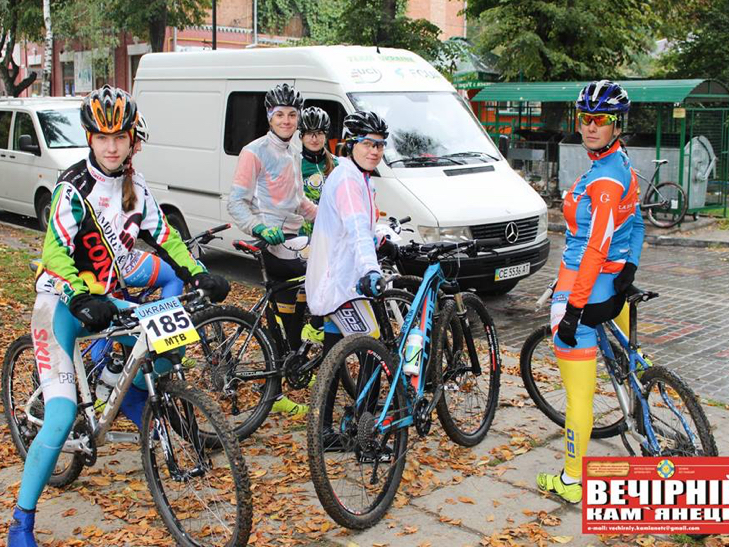 У Кам'янець з'їхалися велосипедисти зі всієї України - фото 5