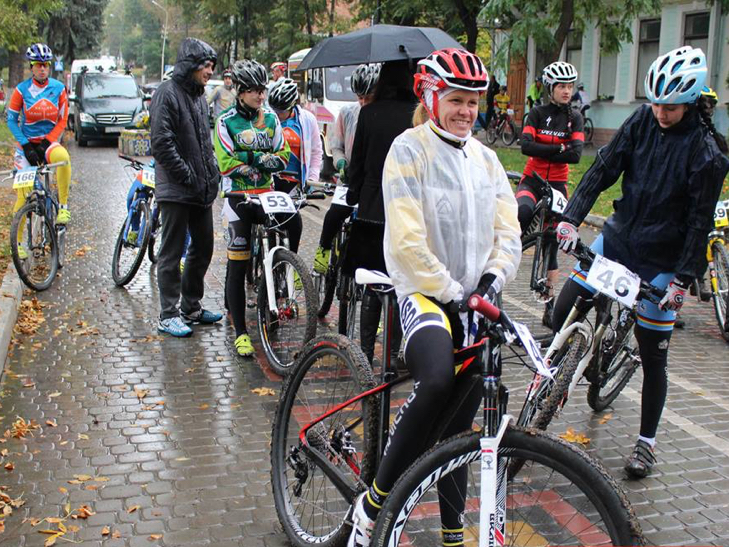 У Кам'янець з'їхалися велосипедисти зі всієї України - фото 4
