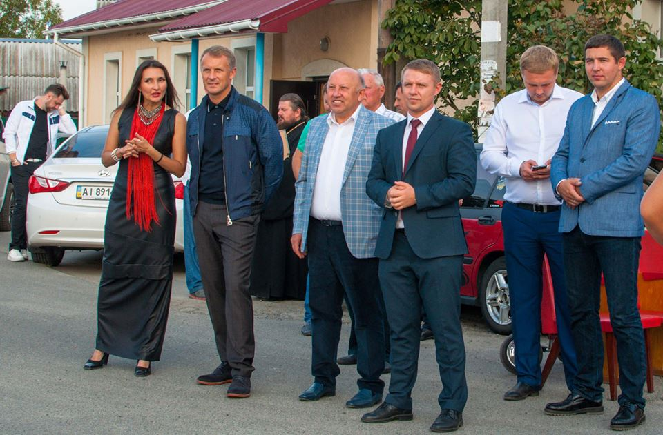 """""""Ляльку Медведчука"""" відправили на війну з Тимошенко - фото 1"""