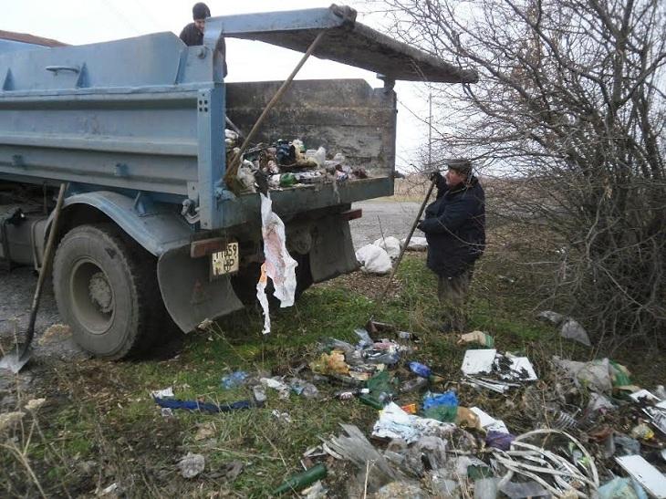 До і після: як запоріжці перетворюють узбіччя на смітники (ФОТО) - фото 8