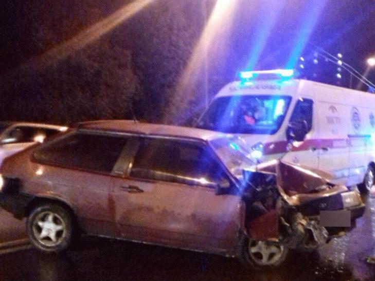 У Полтаві п'яний водій врізався в тролейбус - фото 1