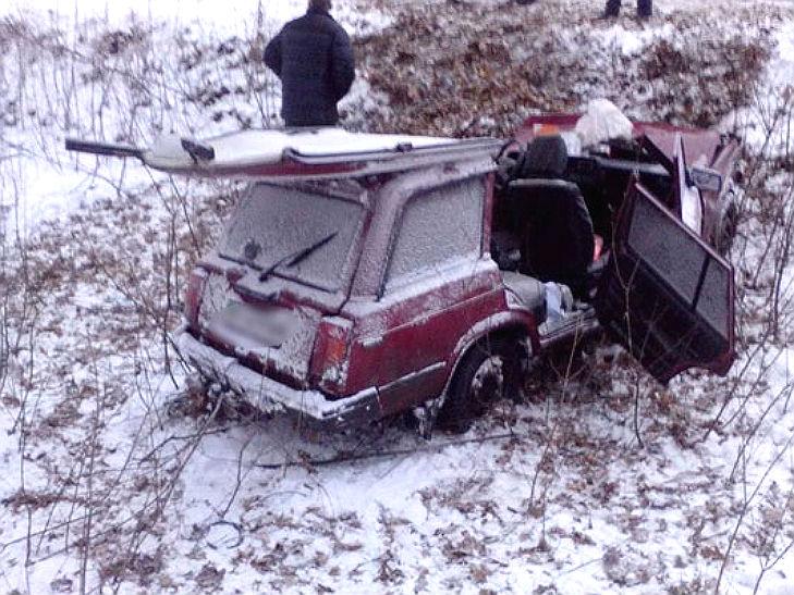 На Полтавщині сталося ДТП: одну автівку розірвало на шматки - фото 2