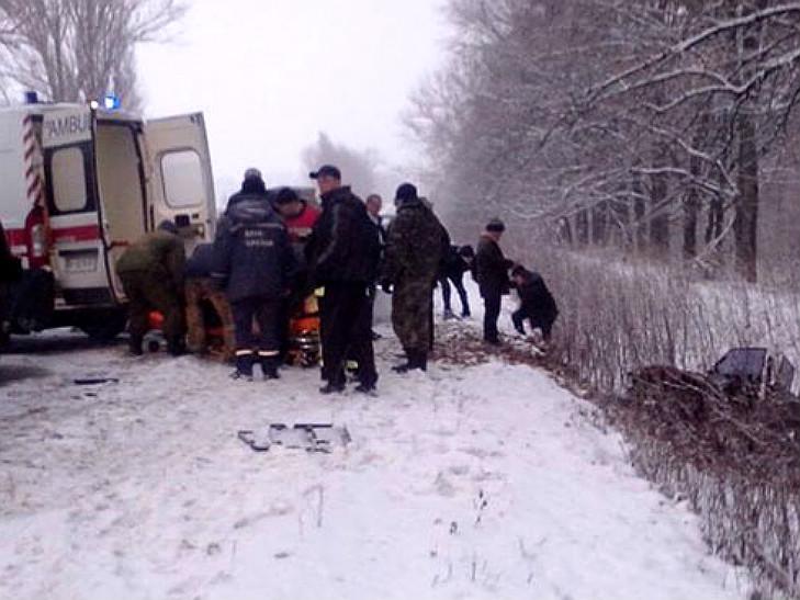 На Полтавщині сталося ДТП: одну автівку розірвало на шматки - фото 3
