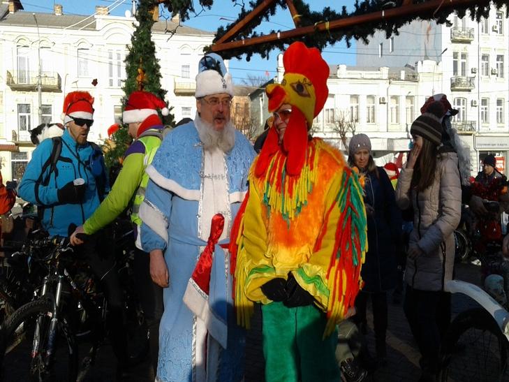 У Вінниці Діди Морози на роверах влаштували святковий заїзд - фото 7