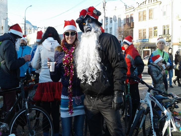 У Вінниці Діди Морози на роверах влаштували святковий заїзд - фото 4