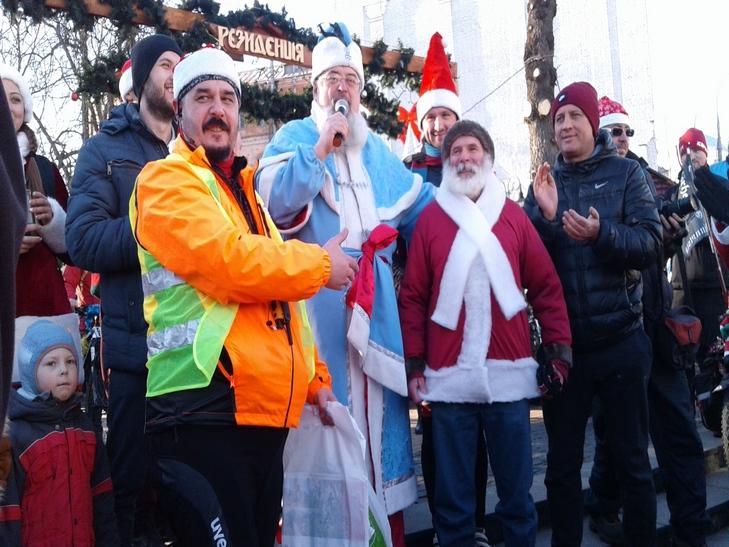У Вінниці Діди Морози на роверах влаштували святковий заїзд - фото 3