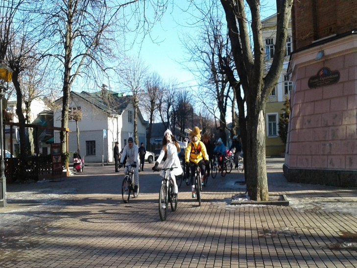 У Вінниці Діди Морози на роверах влаштували святковий заїзд - фото 10