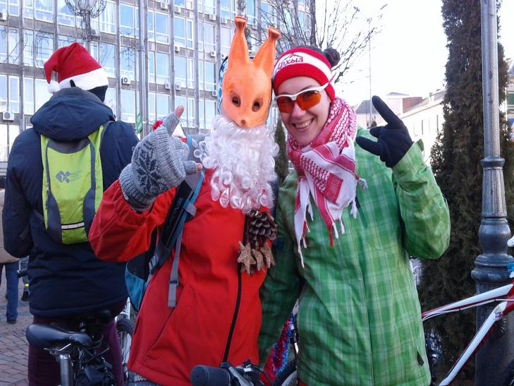 У Вінниці Діди Морози на роверах влаштували святковий заїзд  - фото 1