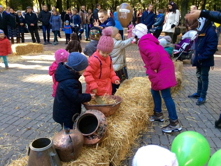 У Хмельницькому вперше відбувся фестиваль вуличної їжі - фото 12