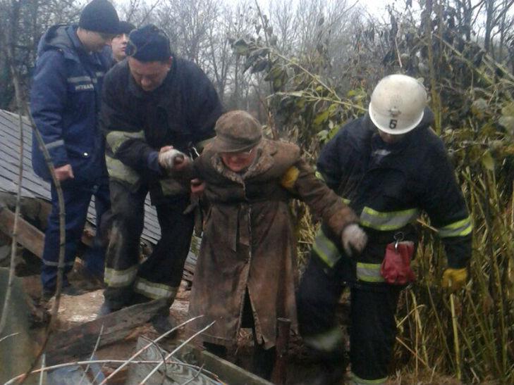 На Полтавщині на пенсіонерку обвалилася господарська будівля - фото 1