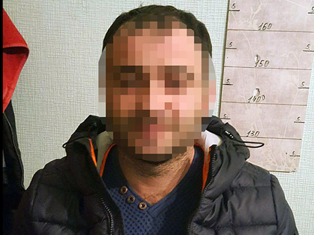 Поліцейські затримали ще двох домушників, які обікрали квартиру у Харкові - фото 1