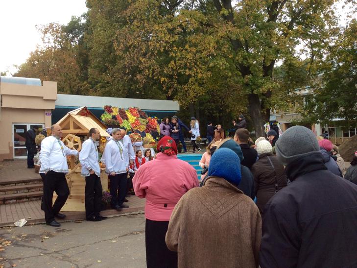 Фруктово-яскаравою картою України тішили хмельничан - фото 2