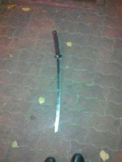 """""""Хочу і гуляю"""": На Полтавщині ніньдзя посеред міста вимахував мечем - фото 2"""