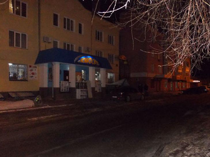 У Миргороді бандити на чорній Toyota Camry пограбували місцевого підприємця - фото 1
