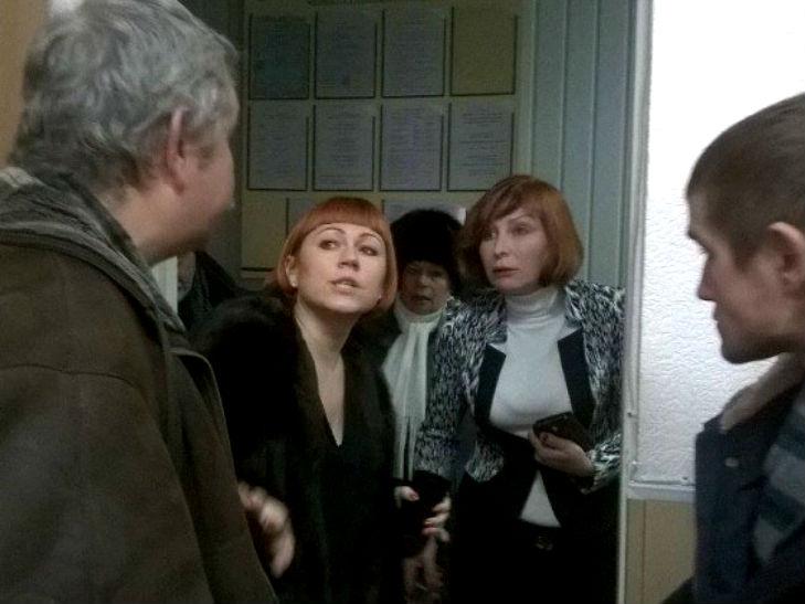 У Полтаві активісти не допустили до роботи звинувачену в хабарництві чиновницю - фото 2