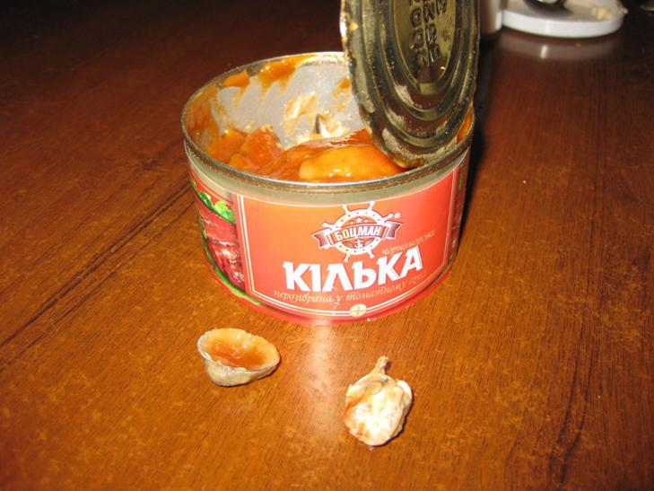 У Мелітополі в банці з консервами знайшли мушлі  - фото 2
